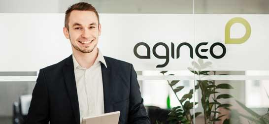 Mitarbeiter startet IT-Ausbildung bei agineo